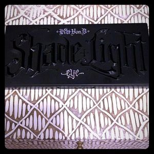 Kat Von D Shade & Light Eyeshadow Palette